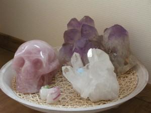 Amethistcluster uit Bolivia Bergkristalkluster uit Brazilie Aramis, Guardian of Peace, rozenkwarts